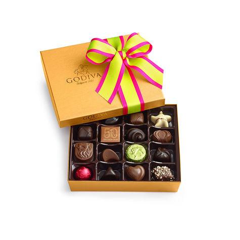 19-gold-chocolate-box-ballotin19_11019_01_153400_x3