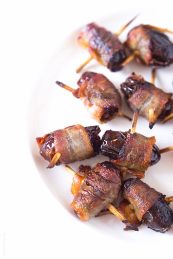 Bacon-Wrapped-Dates-an-easy-appetizer-that-everyone-loves-glutenfree-paleo-whole30-2