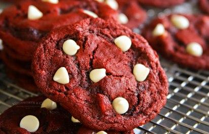 Red-Velvet-White-Chocolate-Chip-Cookies-900